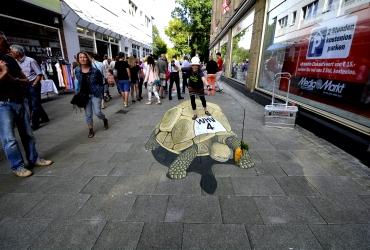 3D Straßenmalerei Rennschildkröte in Wilhelmshaven