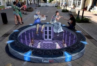 3D Straßenmalerei Stargate in Neustrelitz
