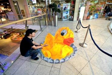 3D Straßenmalerei Ente in Hamburg