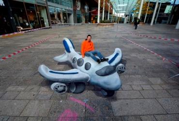 3D Straßenmalerei Knetflugzeug in Almere